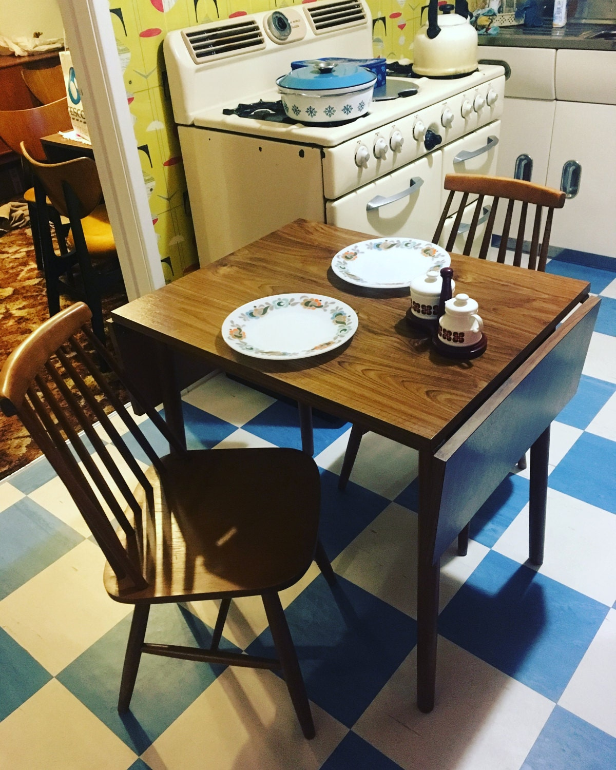 Dinette Retro Drop Leaf Extending Kitchen 4ft dining Table with two chairs