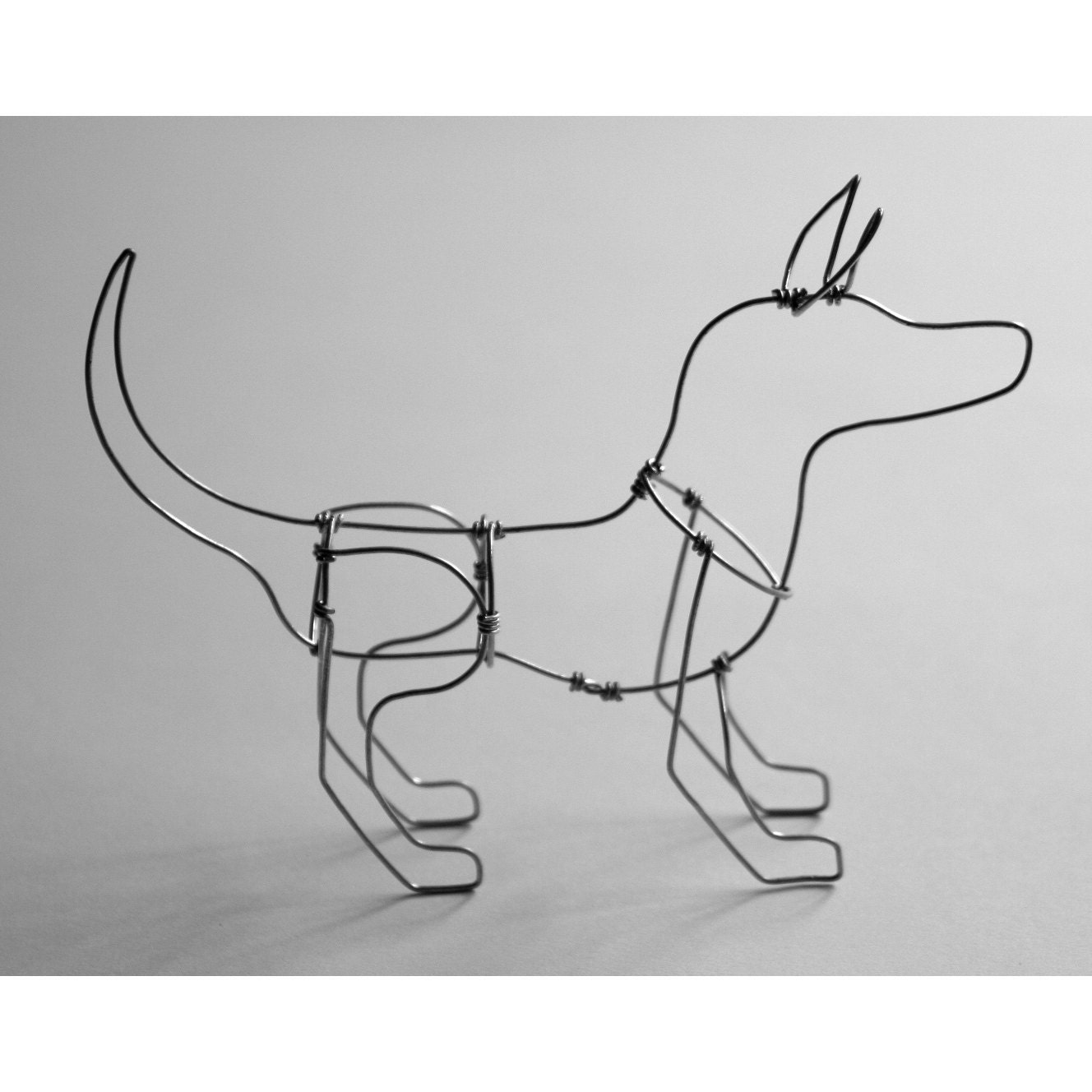 1000 images about dog sculptures on pinterest car air for Dog wire art