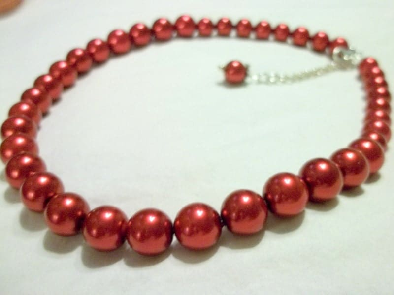 Red Glass Pearl Necklace