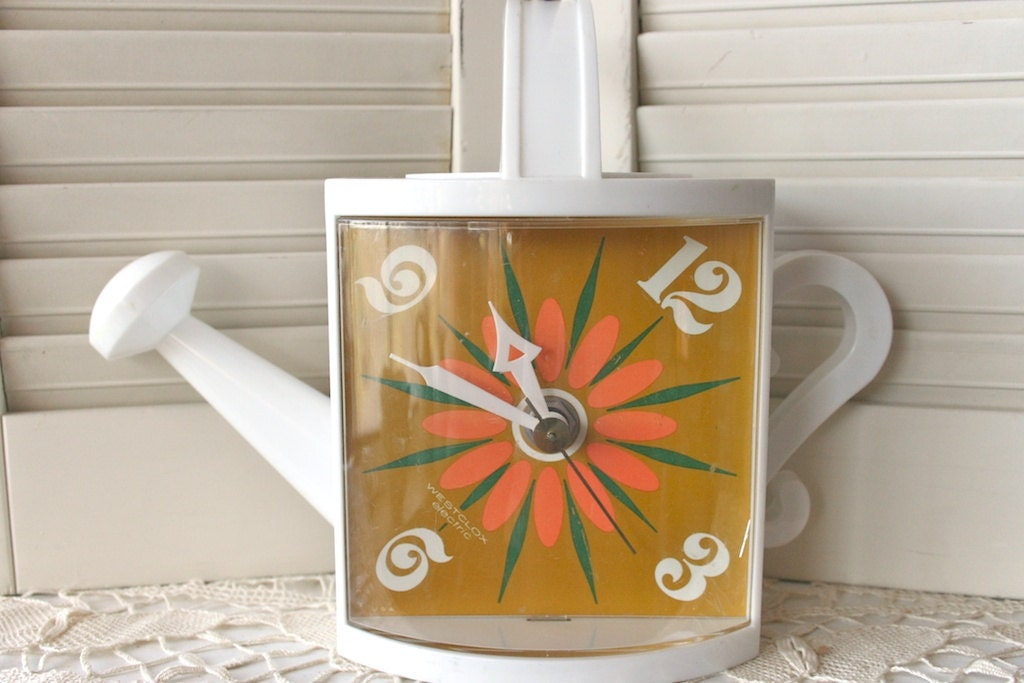 Retro Watering Can Clock - Free Domestic Shipping - dulcinas