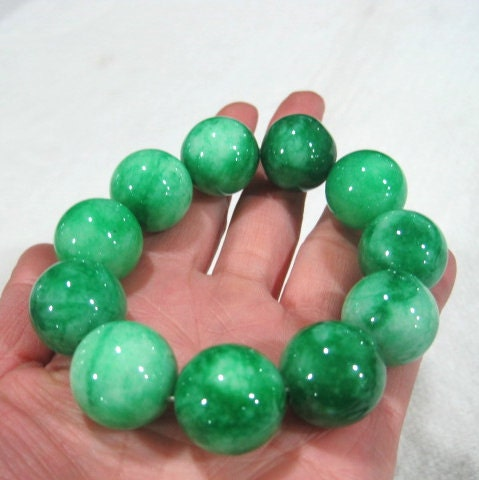Genuine Jade Beads: 301 Moved Permanently