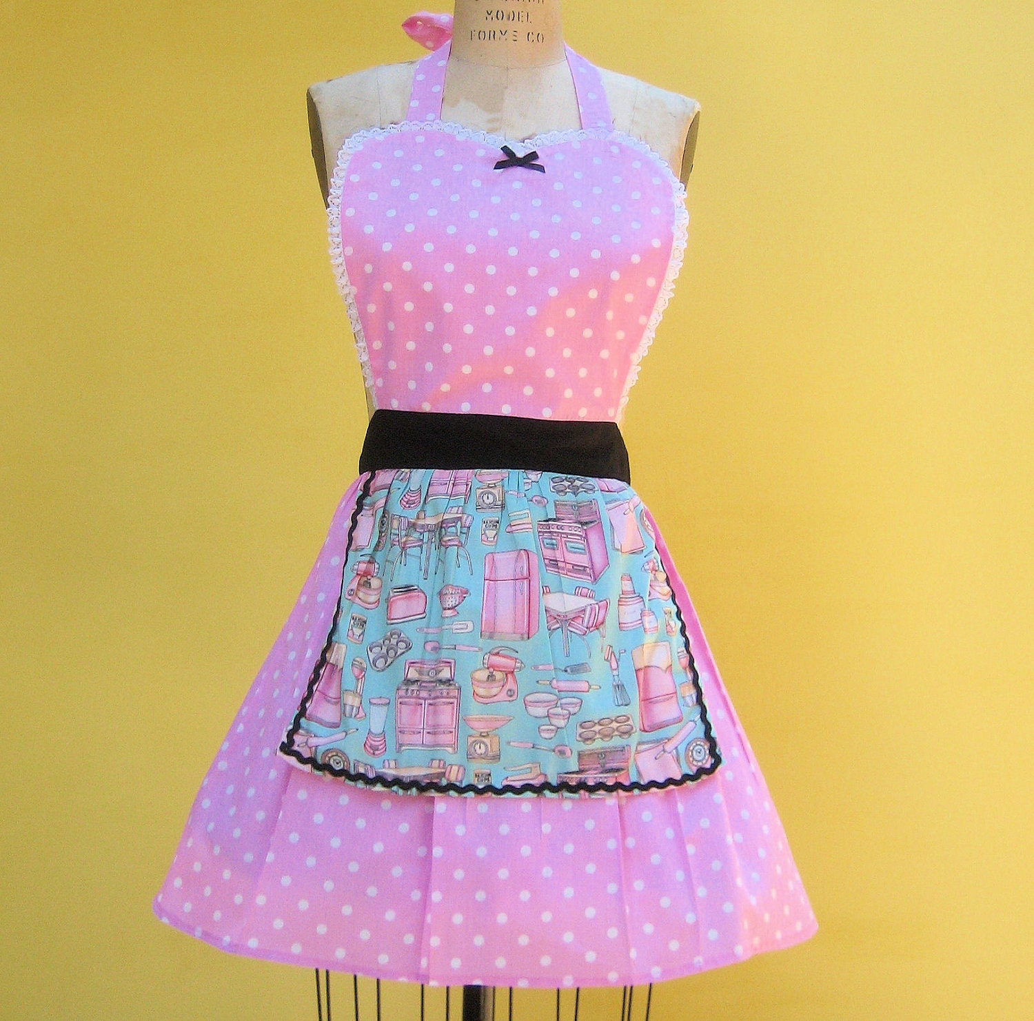 Retro apron 50s Housewife with Vintage by loverdoversclothing
