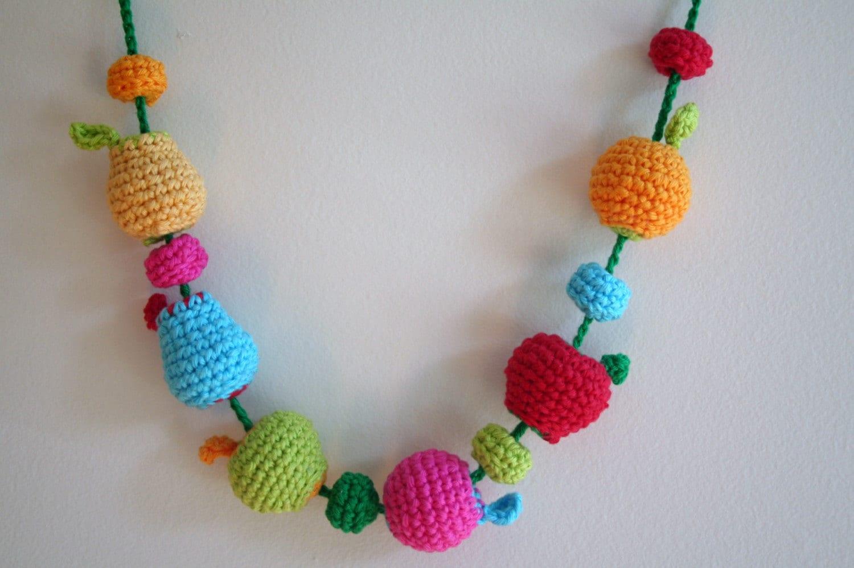 Crocheting Beads : Chain Stitch Crochet Beaded Bracelet - Beadwork