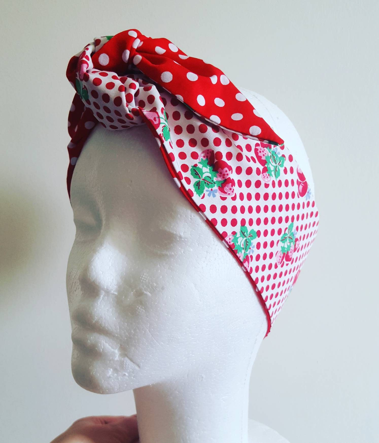 Retro cherry print headband Rockabilly hair Vintage head wrap Rockabilly Accessories Retro Bandana 1950s headscarf red polkadot
