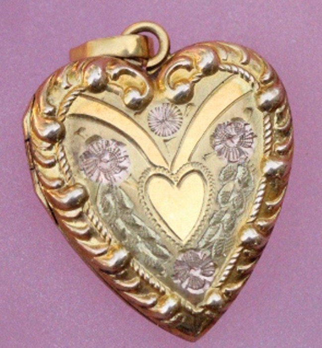 antique ornate solid 10k gold heart locket pendent  from flame100