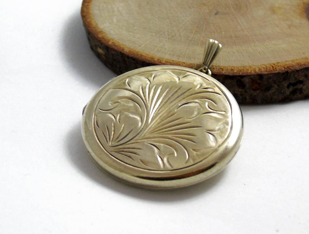 Vintage Round Sterling Silver Locket, Gold Wash Locket, Silver Engraved Locket, Silver Photo Pendant