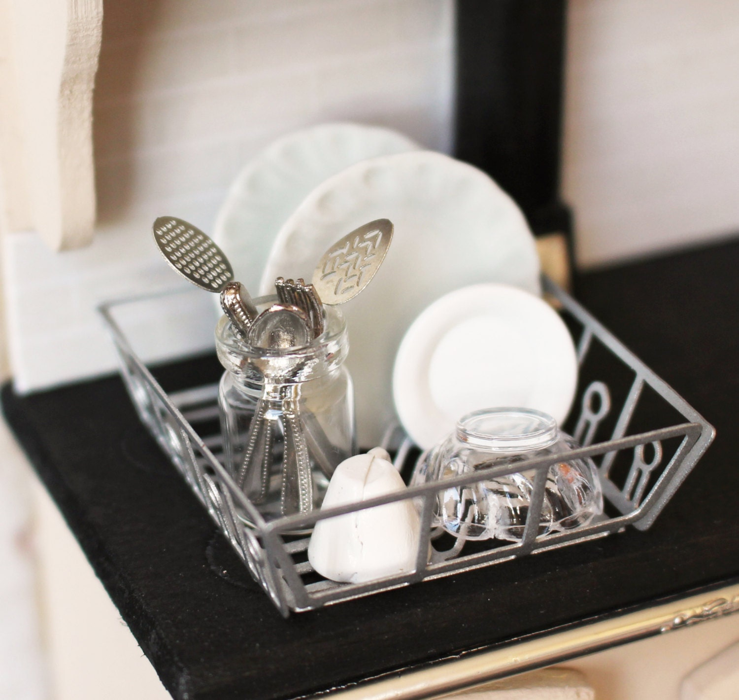 Dolls House Miniature Filled Kitchen Sink Drainer