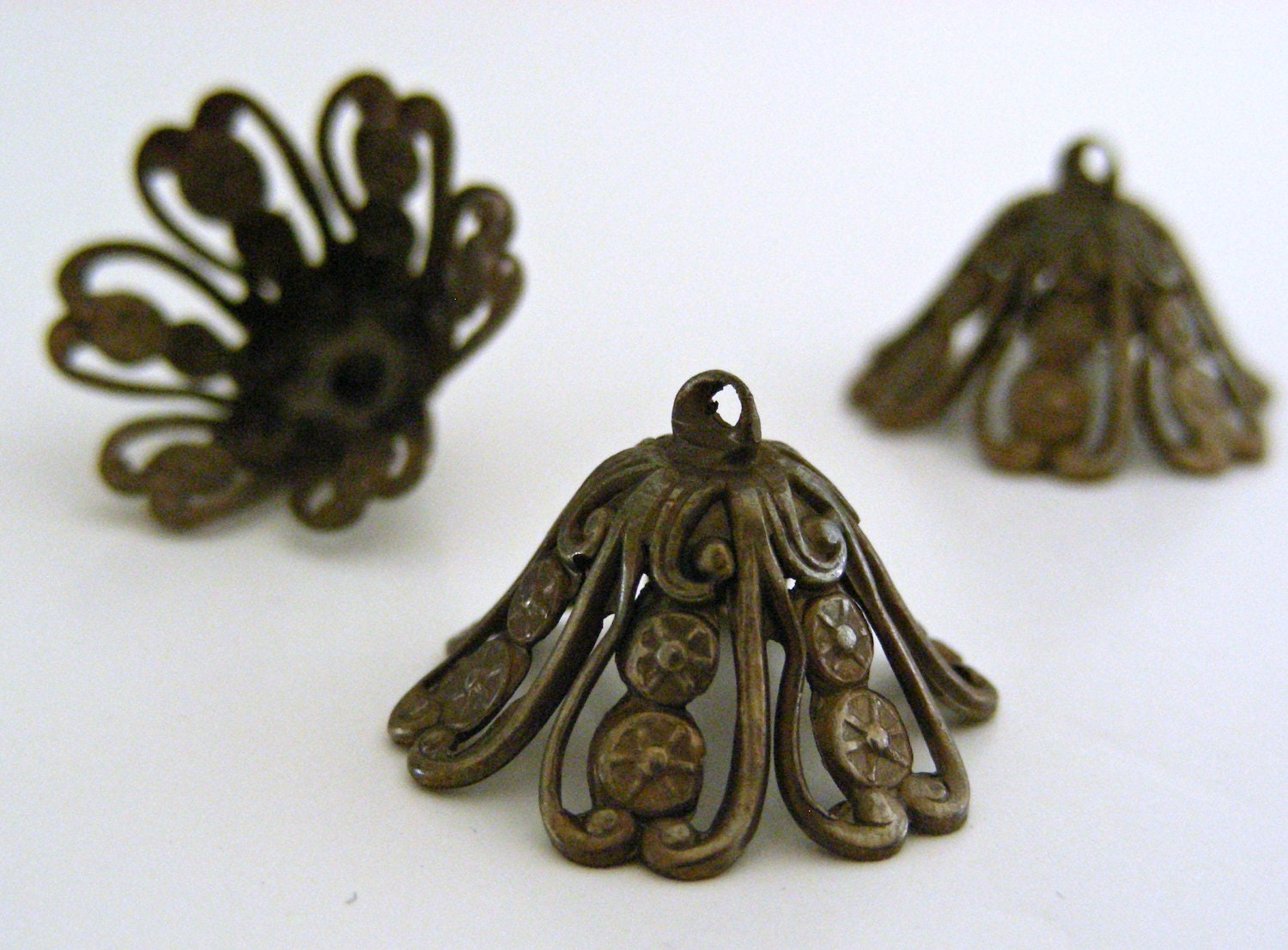 Vintage Brass Bead Cap with Loop - 4 Pieces - yummyjewels