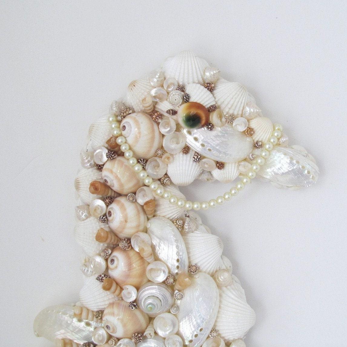 Seahorse art wall decor seashells by sandisshellscapes on etsy for Seashell decor