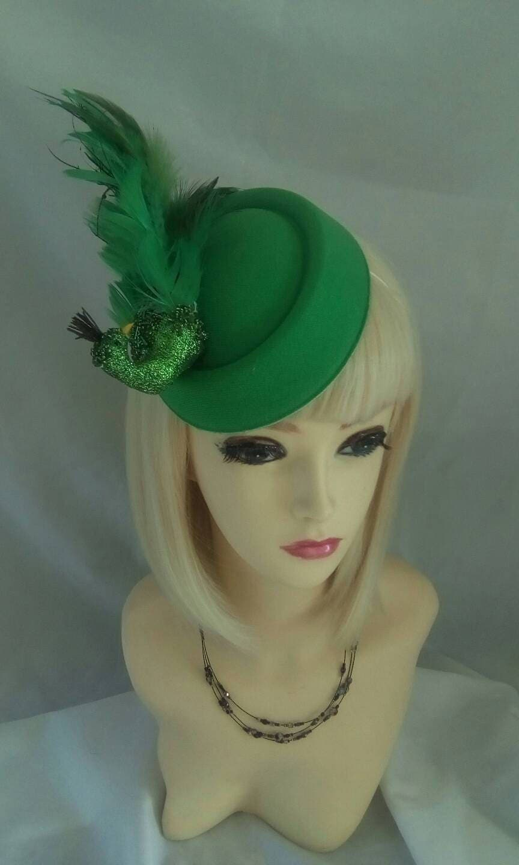 Green peacock fascinator vintage Style Pillbox Hat Races Wedding BURLESQUE ROCKERBILLY pill box  feather