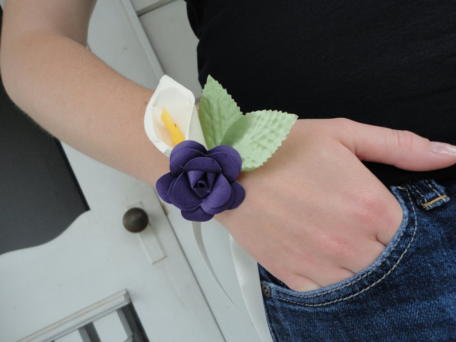how to make an paper corsage