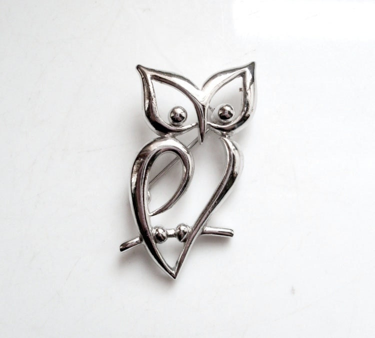 Vintage Owl Brooch Modern Silvertone by Trifari
