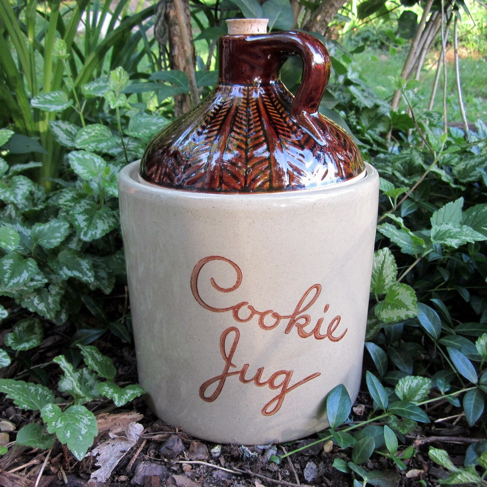 Vintage pottery cookie jar by monmouth pottery by simplysuzula