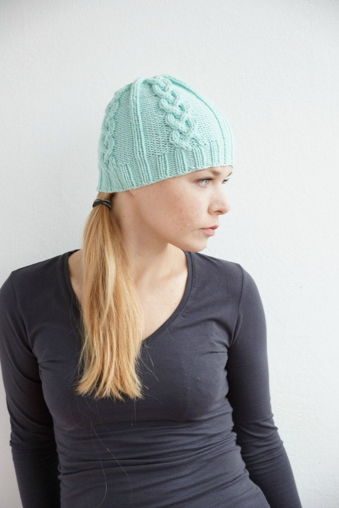 Hand knit winter women hat mint pastel - SockClub