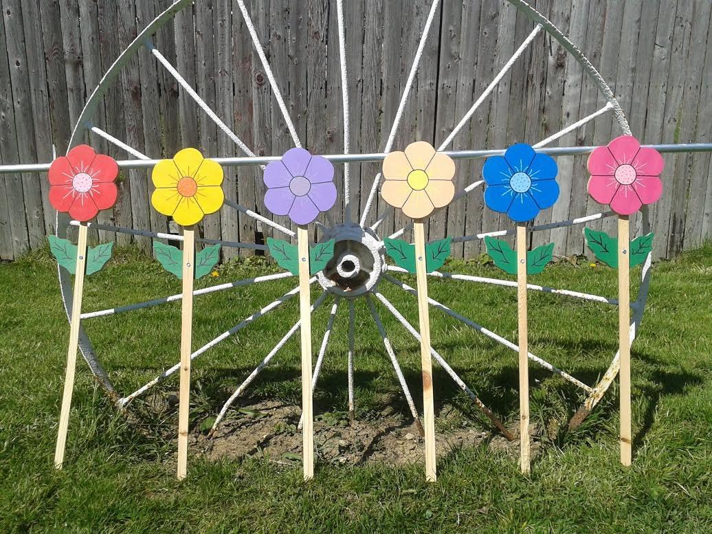 putting garden decor