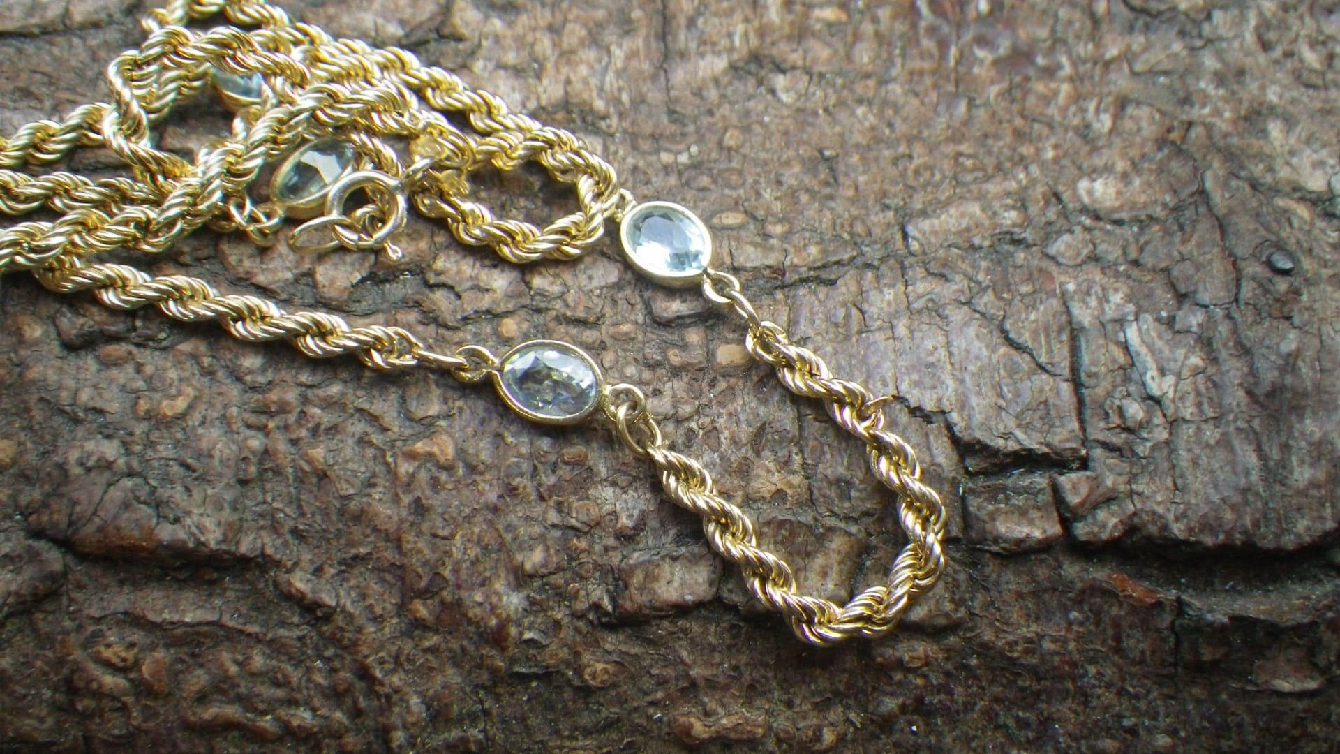 Unusual 9ct Yellow Gold Twist Rope Aquamarine Topaz Necklace