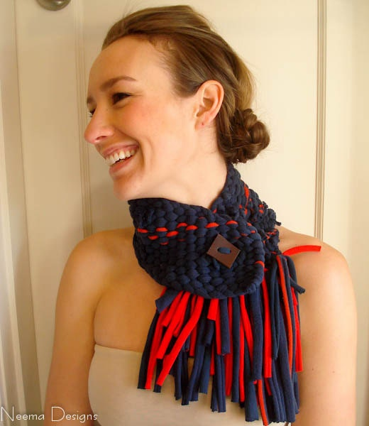 SAPPHIRE upcycled neckwarmer scarf with fringe in navy blue and red - NeemaDesigns413