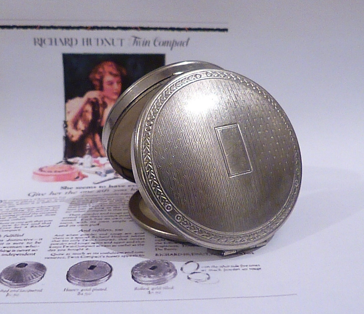 Antique Christening Gifts Richard Hudnut DEAUVILLE Compact  Art Deco Compacts 1920s Compacts Authentic Flapper Gifts