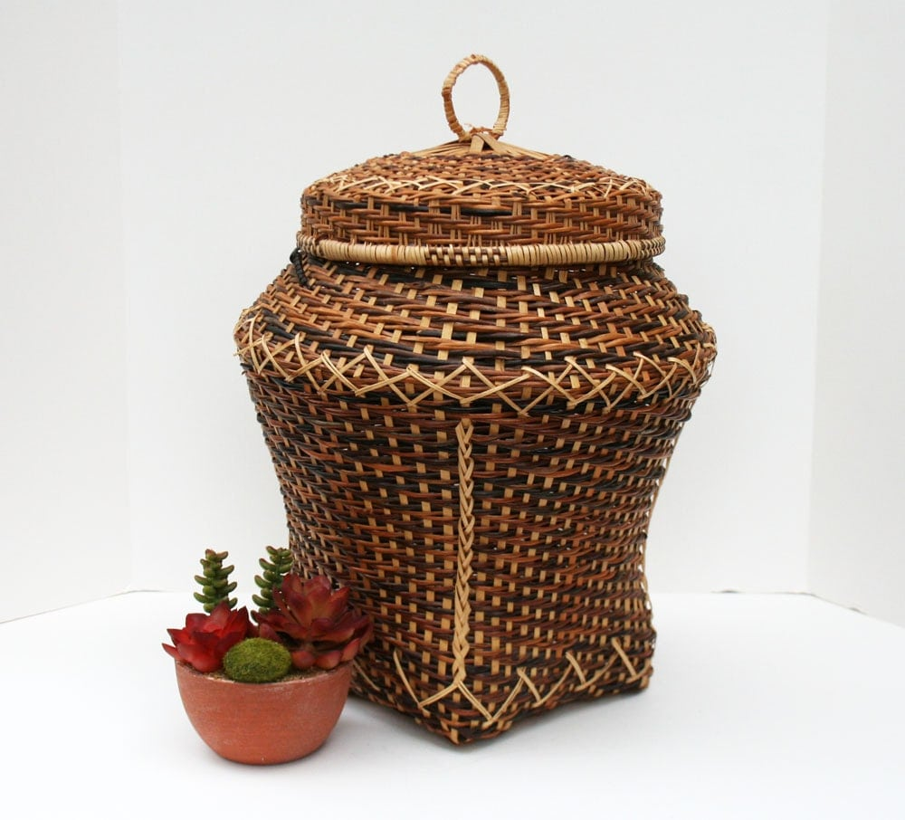 jar shaped wicker basket with lid by mysticlily on etsy. Black Bedroom Furniture Sets. Home Design Ideas