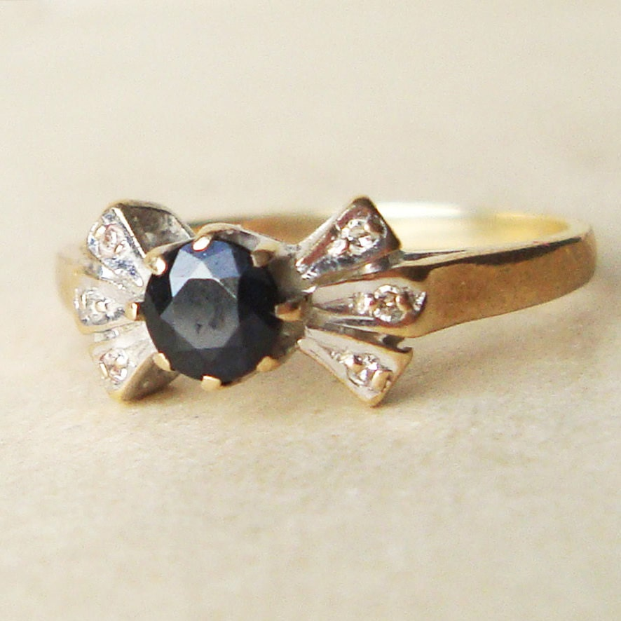 vintage sapphire bow ring 9k gold by