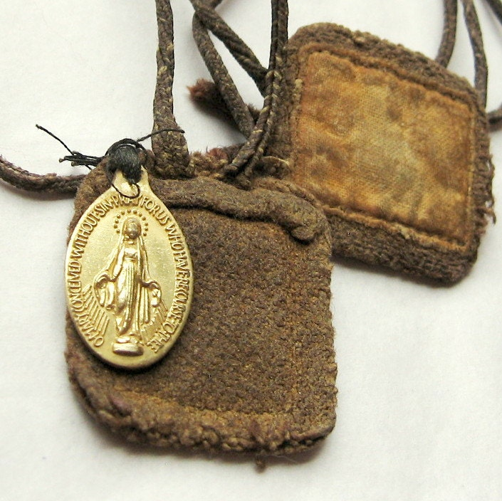Beautiful Vintage Old and Loved Scapular. Miraculous Medal