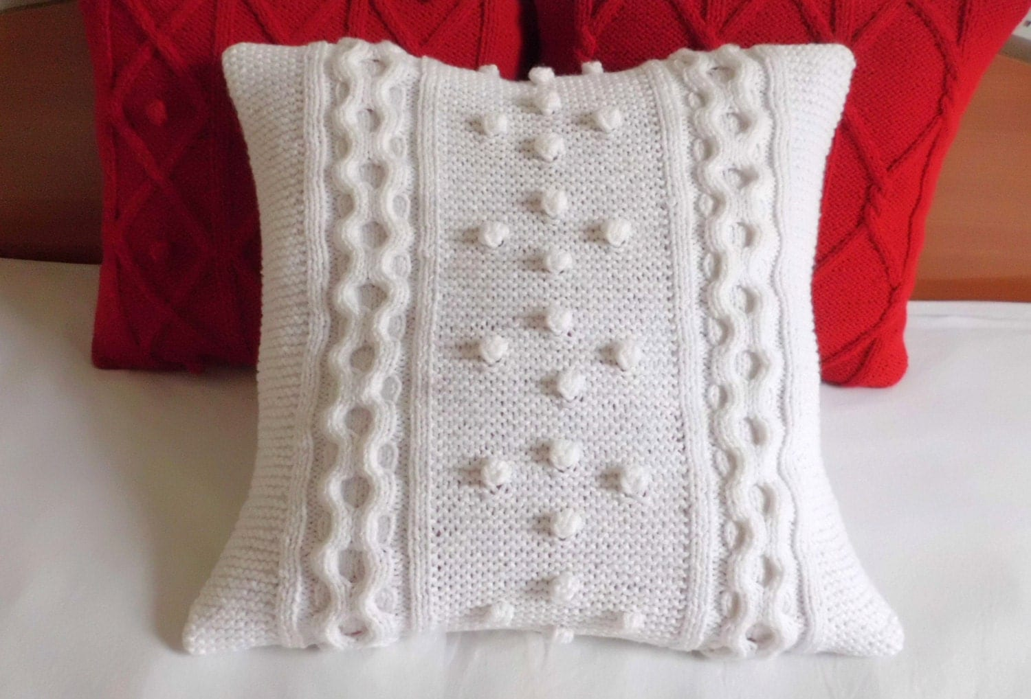 Cable knit cushion cover white, knitted pillow cover, decorative couch pillow, knit throw pillow, home décor, 16x16 Christmas pillow sham - Adorablewares