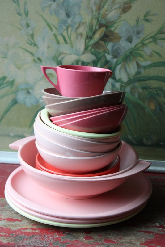 Vintage Melmac Melamine Mix And Match Dinnerware Set In Pink Tones