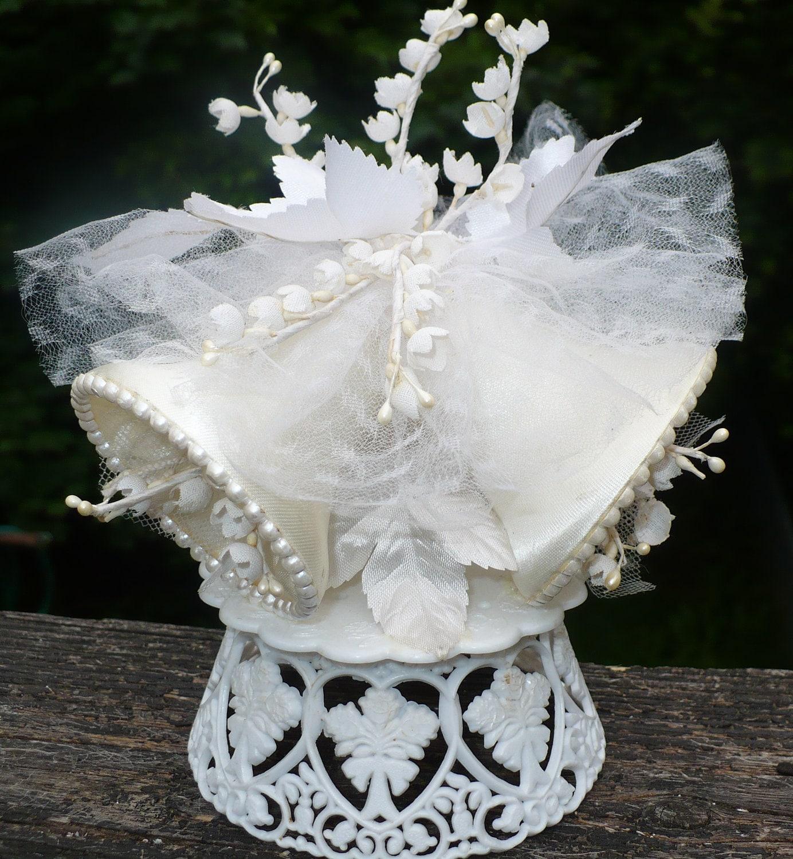 1950s vintage wedding cake topper cake by Redalligatorvintage