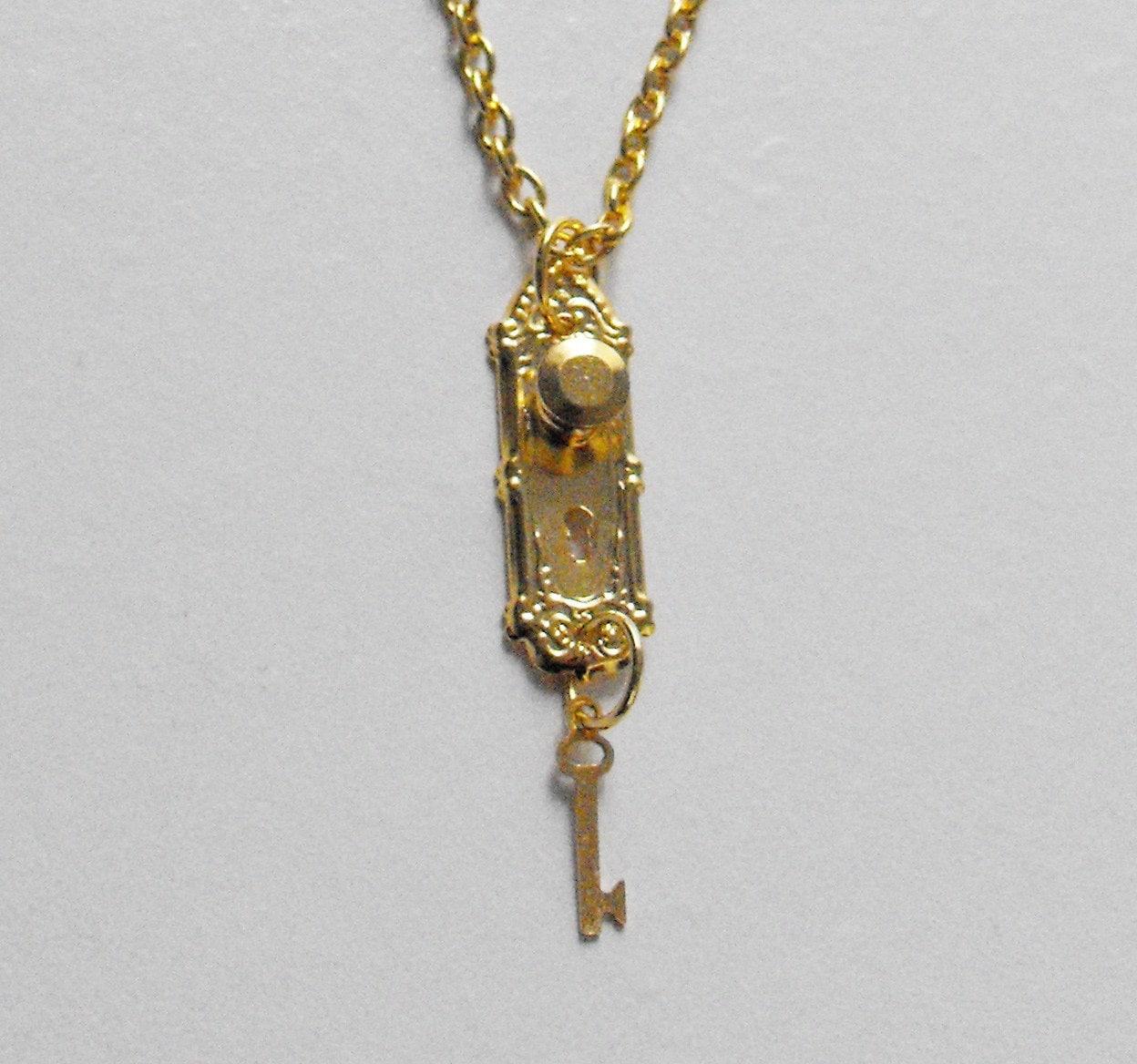 Golden Alice in Wonderland Doorknob and Key Necklace
