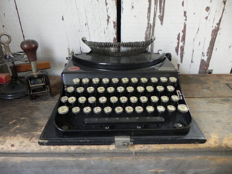 Pictures of antique typewriters 50 Engaging Typewriter Photos Pexels Free Stock Photos