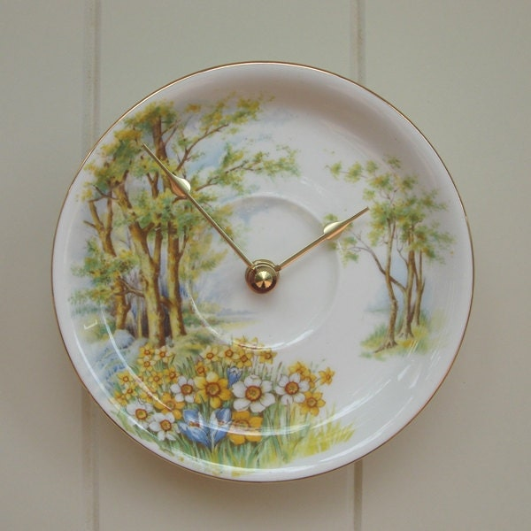 Vintage woodland 1960's china clock, FREE DELIVERY to Australia and New Zealand, upcycled recycled repurposed in Western Australia