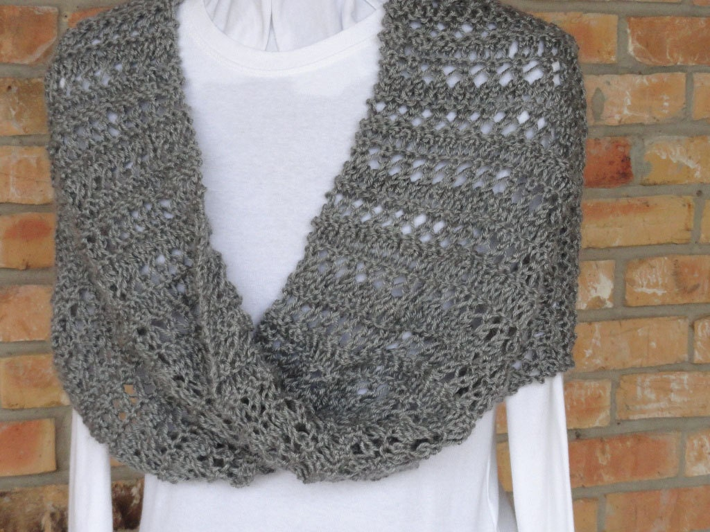 Knit Lace Cowl Pattern : Knitting Pattern Lace Stripe Mobius Cowl or by KimberleesKorner