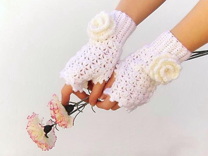 Crochet Fingerless gloves Wedding Victorian White Mittens Arm Wrist Warmers ecru flower