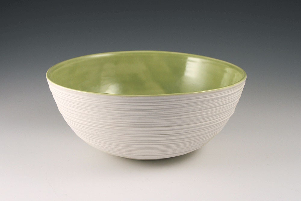 Medium Groove Serving Bowl in Olive Green - kimwestad