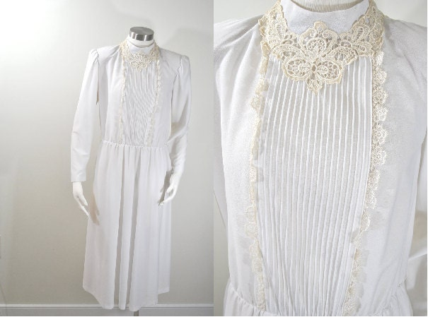 White Dress Long Sleeve Lace High Collar Hippie Size 8 to 10 Medium