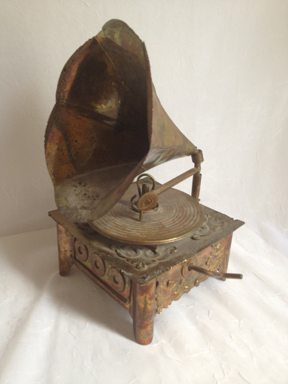 Vintage Record Player (Music Box) - PrimeAntiques