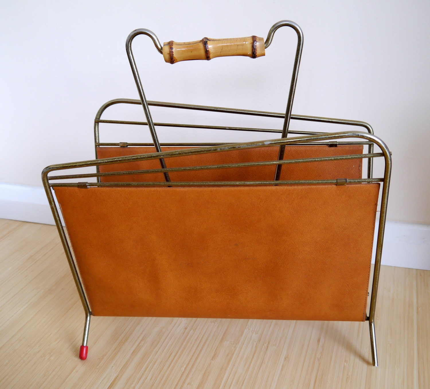 Fab vintage Magazine Rack in wire and faux leather. Retro 1950s or 1960s.