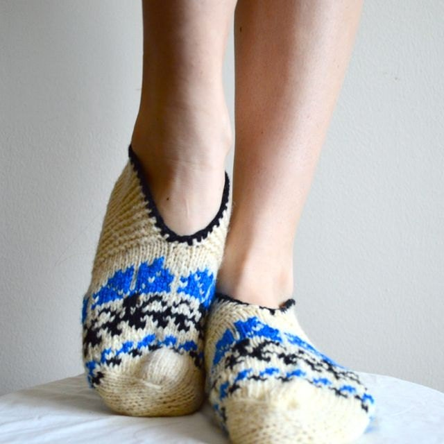 Knitting Pattern For Turkish Slippers : Items similar to Turkish knit slipper socks on Etsy