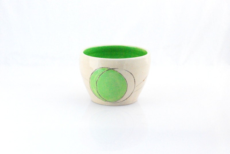 Noodle bowl minimal in white and green chartreuse