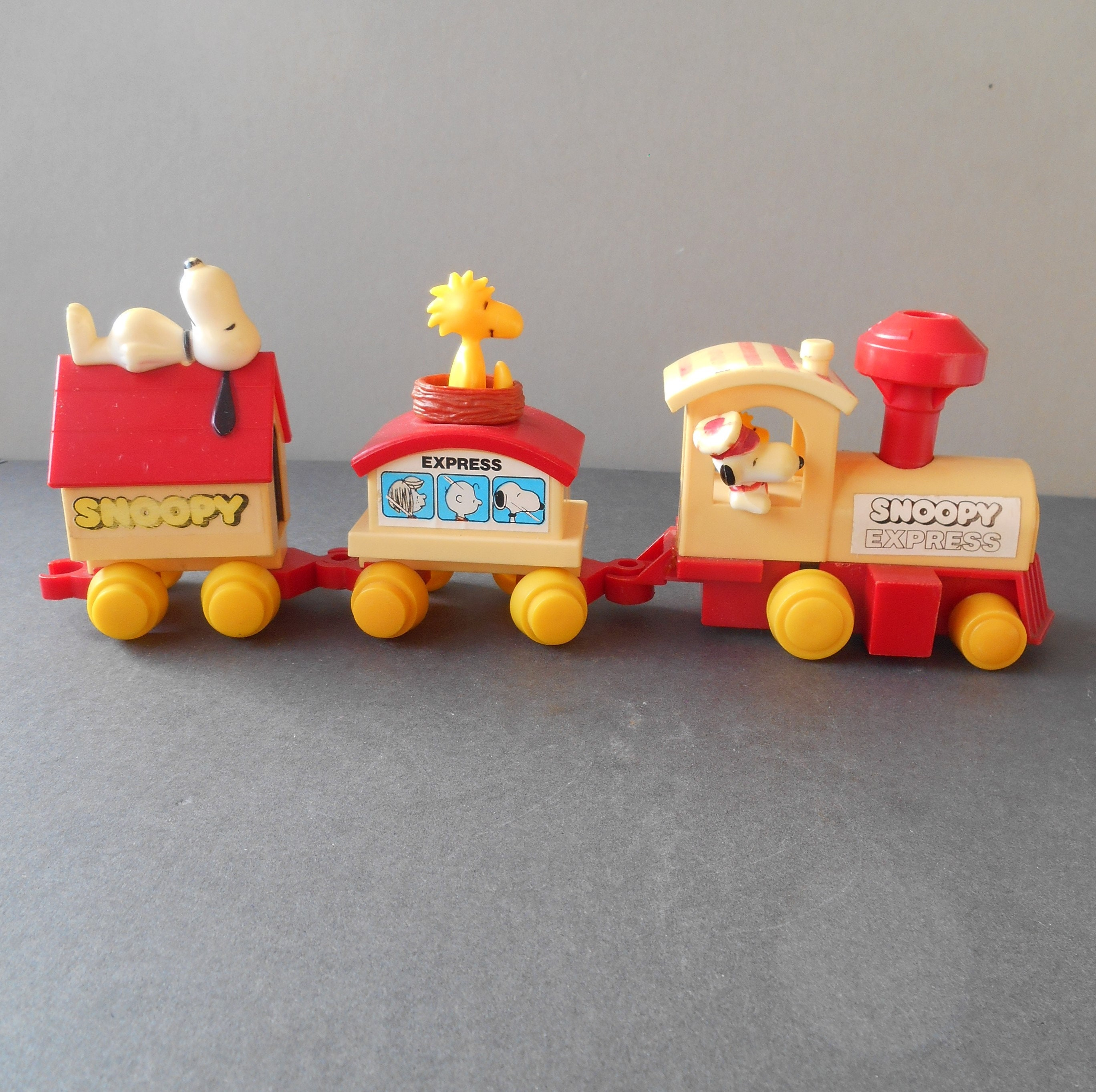 Snoopy Express Train Toy 3 Carriage Novelty Vintage Snoopy PEANUTS Charlie Brown Characters 1970s Toy