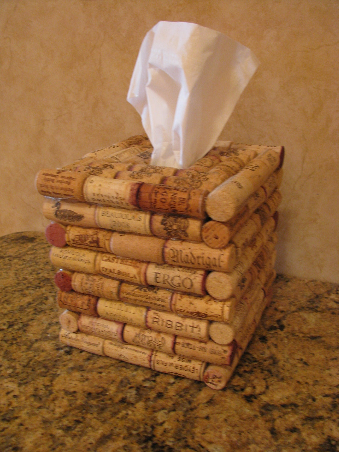 Items similar to wine cork tissue holder on etsy - Manualidades con corchos ...