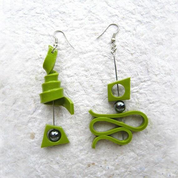 Green polymer clay earrings - trampsandglams