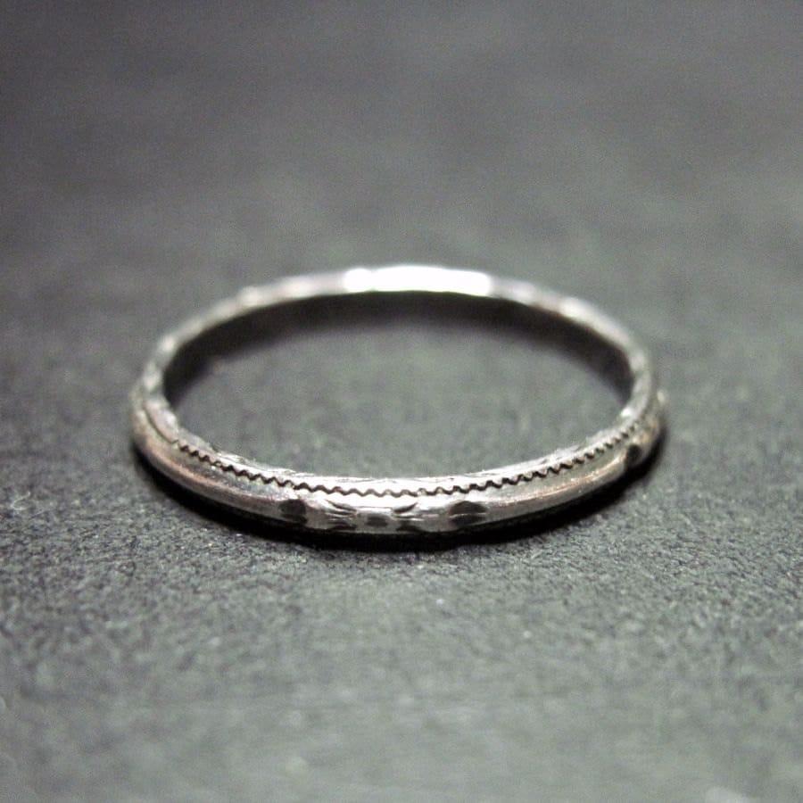 Narrow Band Ring