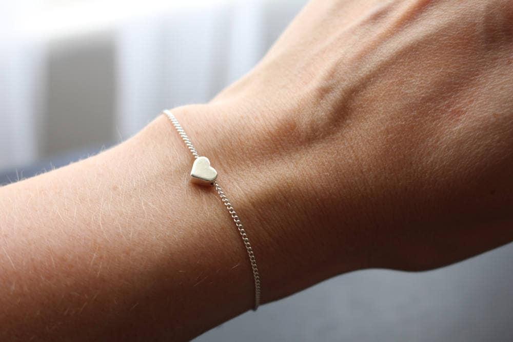 Heart bracelet rose gold heart bracelet silver heart bracelet heart charm bracelet gift for mum gift for girlfriend gift for wife