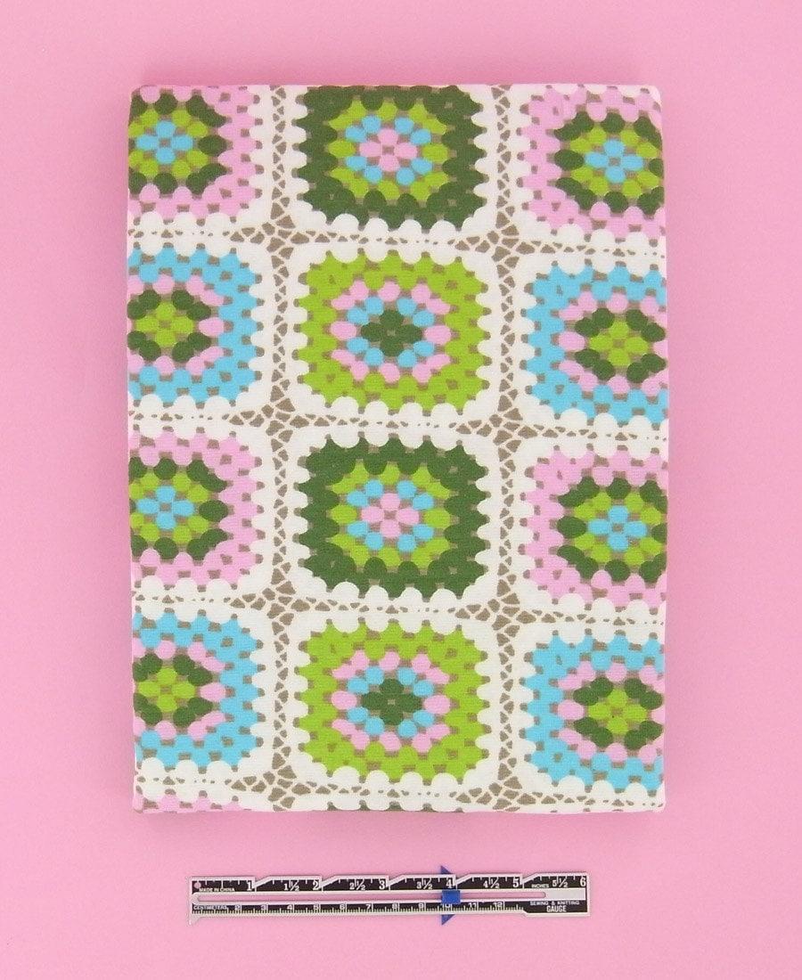 GRANNYS SQUARE cotton elastane single jersey in pink-green-aqua 1 m