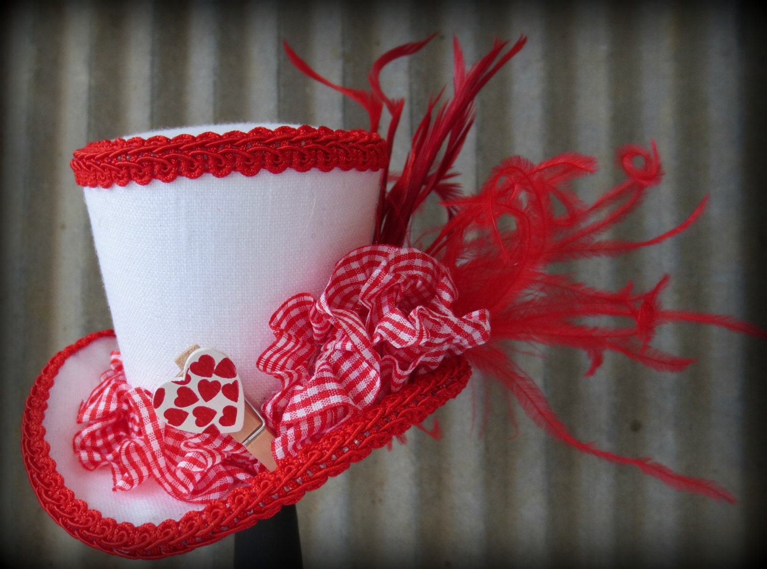 White and Red Valentine's Day Mini Top Hat, Bridesmaids hat, tiny top hat, Flower girl hat, Tea Party Mini Top Hat, Mad Hatter Hat