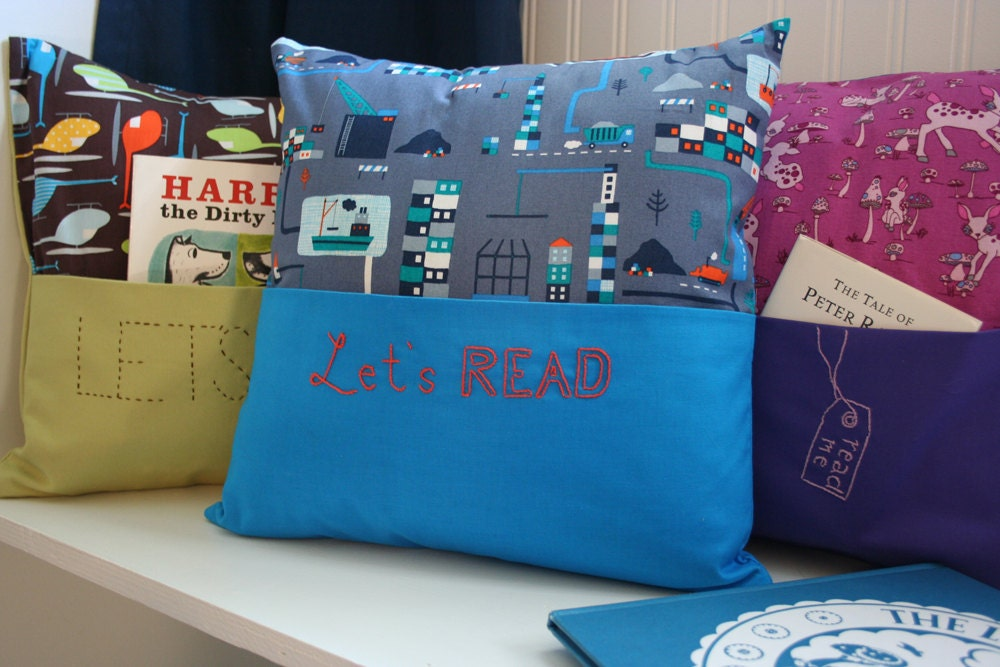Reading Pillow with Book Pocket and Hand Embroidery in Organic Shipyard - Cover