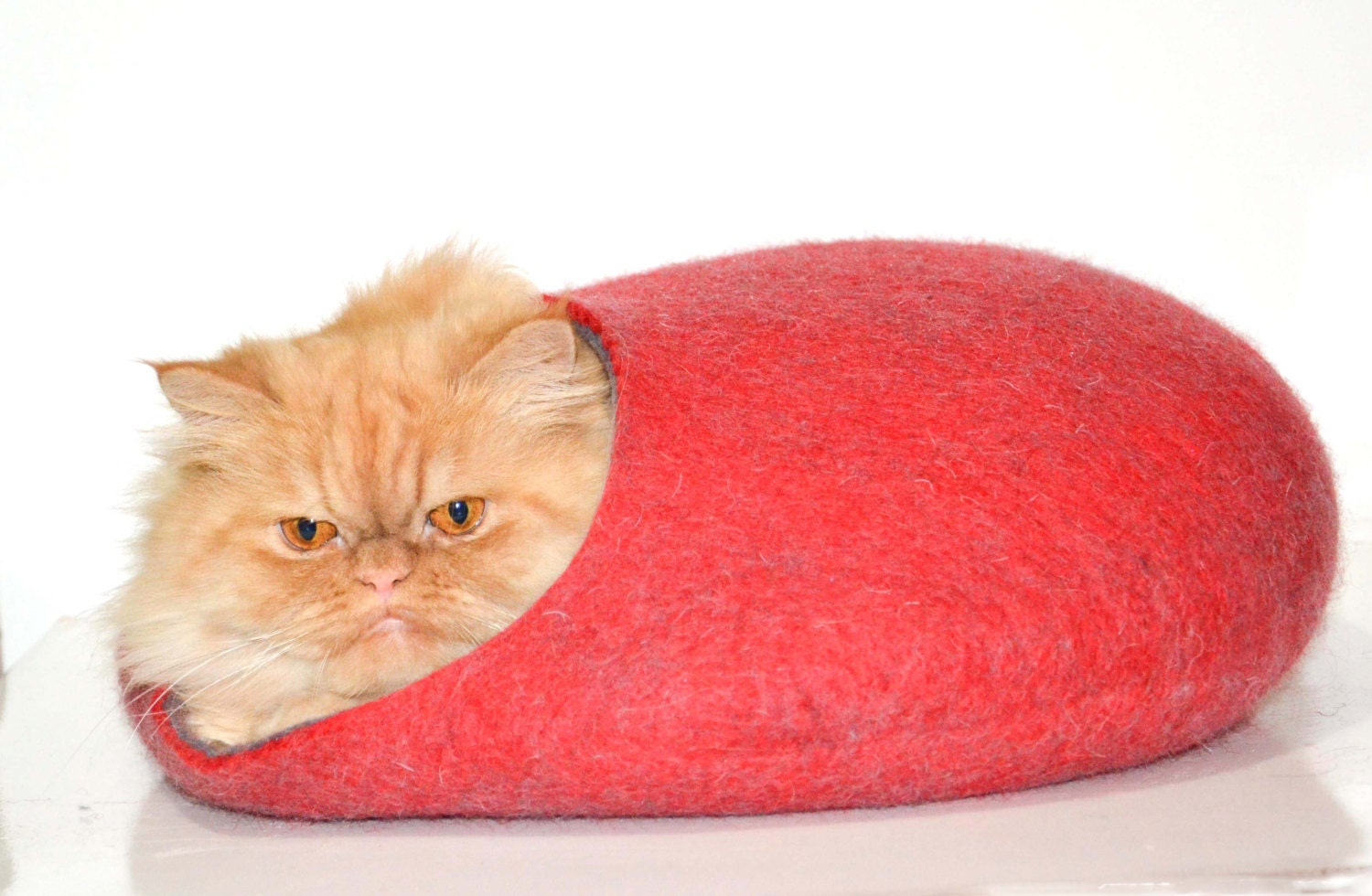 pets cave, cat bed, red cats house - Storow