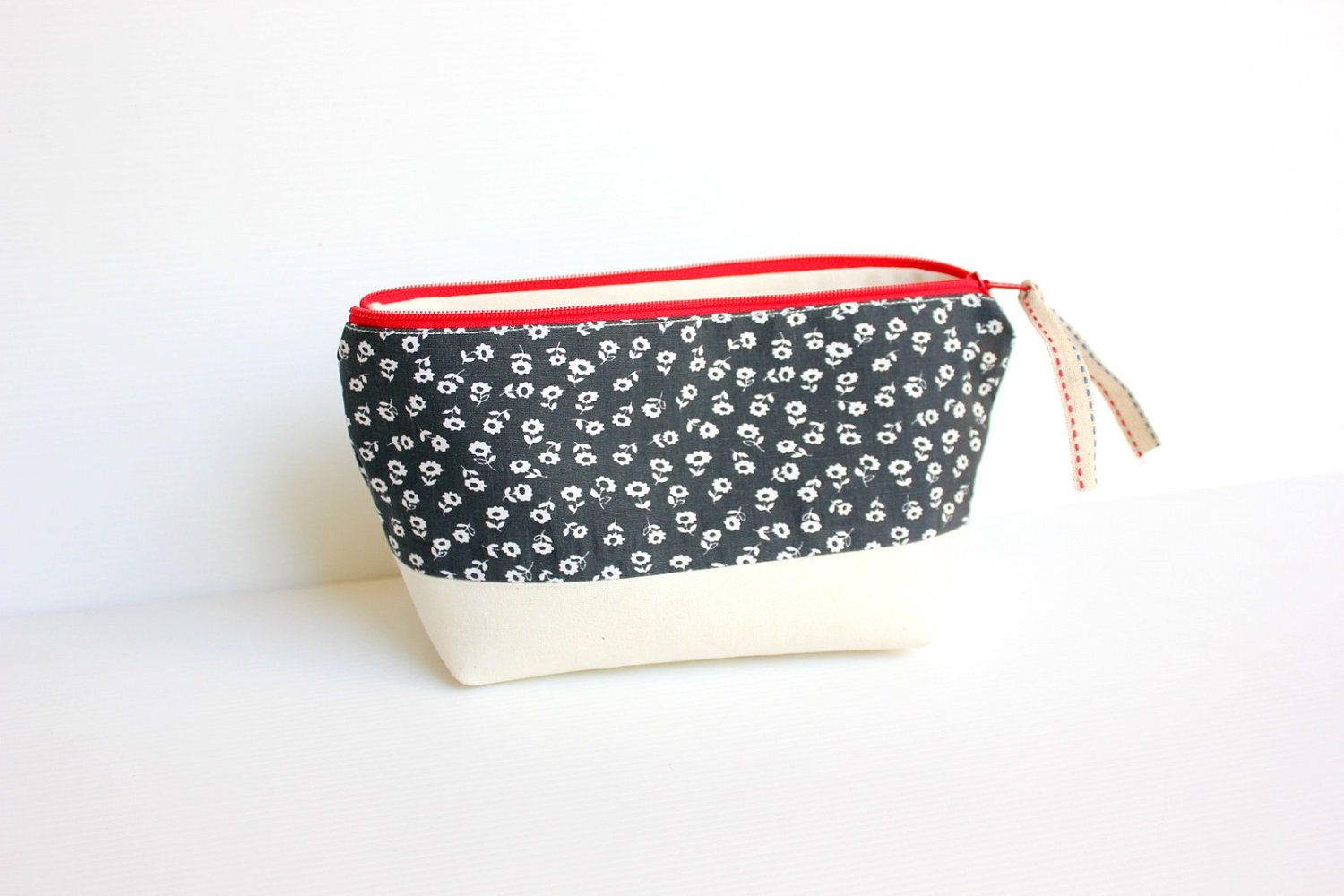 White Floral in Deep Blue Zipper Cotton Cosmetic Pouch, Dark Blue and White Zipper Purse - hennyseashell