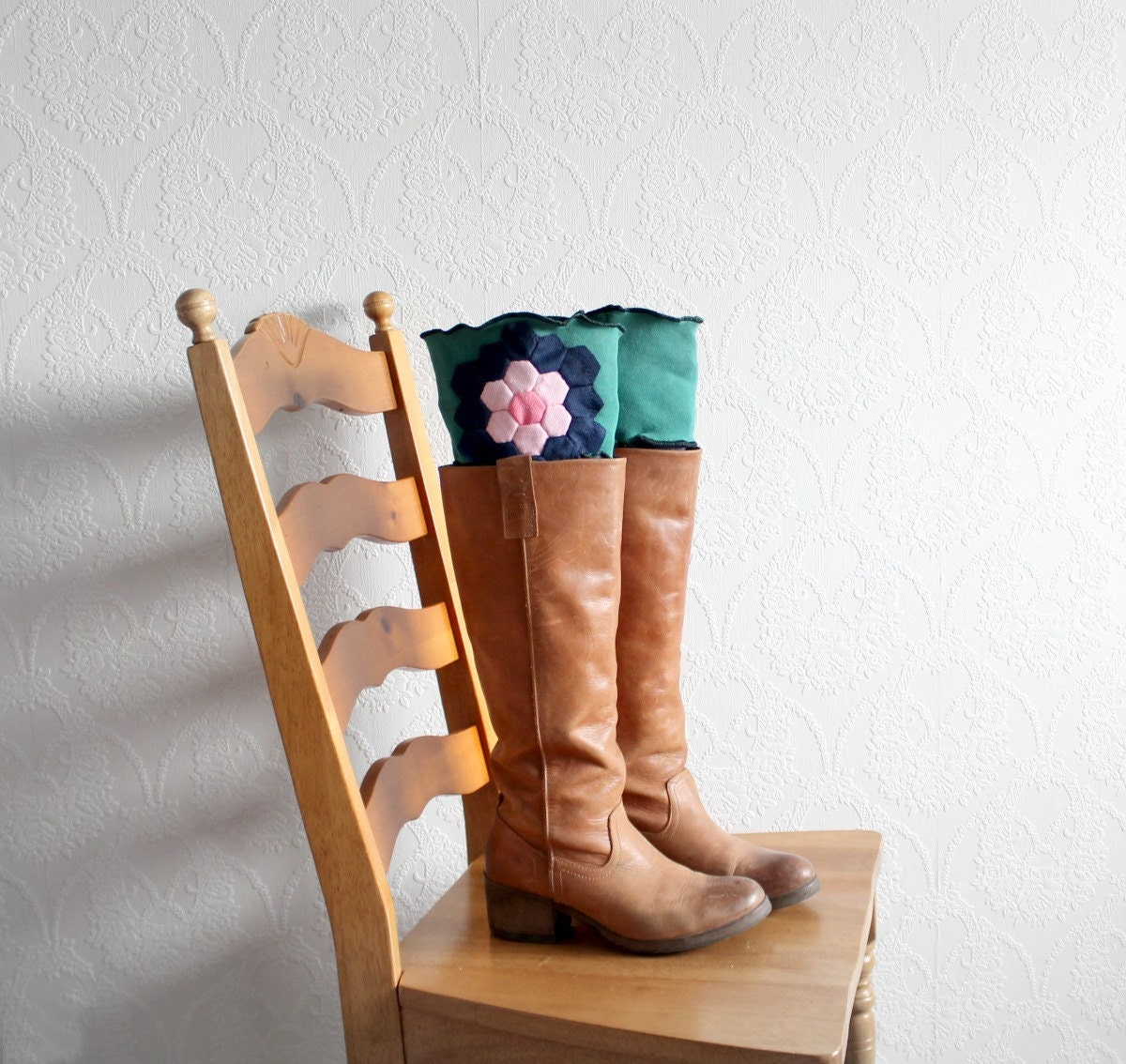 foto 15 Pairs of Chic Socks to Wear With Boots ThisWinter